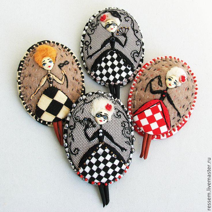 """Купить Брошь """"Рыжая Жози"""" ) - брошь, коломбина, рыжий, бежевый, шашечка, чёрно-белый"""