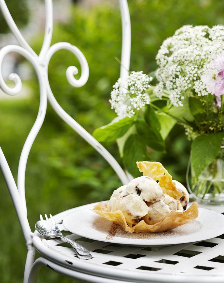 Omenajäätelöä voit tehdä ilman jäätelökonetta. Nappaa #ohje talteen ja innostu kokeilemaan: http://www.dansukker.fi/fi/resepteja/omenajaatelo.aspx #omena #resepti