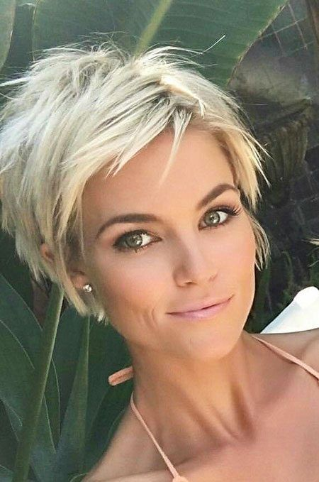 18 popular short edgy hairstyles for curly hair