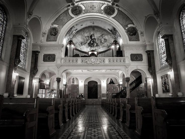 Interior de la Iglesia del Buen Tono (Mexico City. #Photograph by Gustavo Thomas © 2014)
