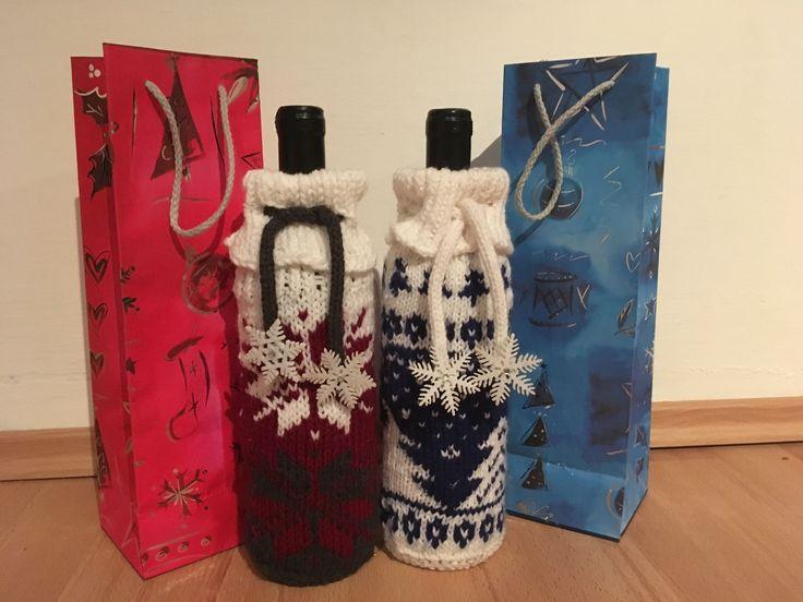 Boros üvegek felöltöztetve (Wine cozys) #winecozy #knitting #christmasgift #handmadeart