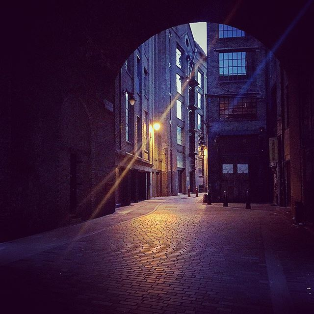 Empty London Streets Empty London Streets Abandoned Lonely Dark Victorian London Street Instagram London