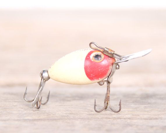 Best 25 old fishing lures ideas on pinterest fishing for Fishing lure decor