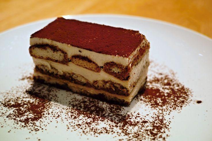 Delikátní dezert s originálním názvem se skládá z korpusu, spousty vanilkového krému a piškovů namočených v silné kávě. Moravská variace na italské tiramisu.