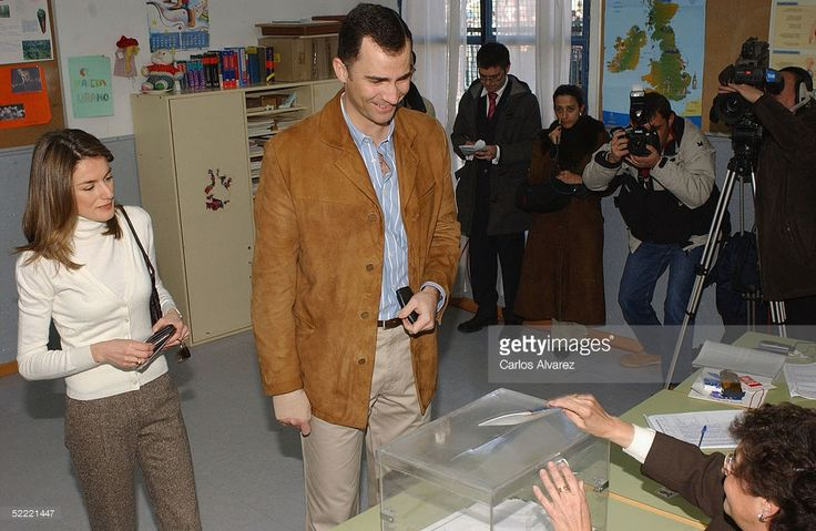 Spanish royalty, Crown Prince Felipe and Princess Letizia, vote in the for European Constitution referendum at 'Monte de el Pardo' school on February 20, 2005 in El Pardo, Madrid, Spain.