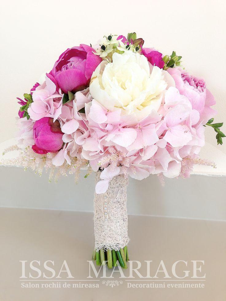 buchet mireasa din bujori si hortensia roz pal