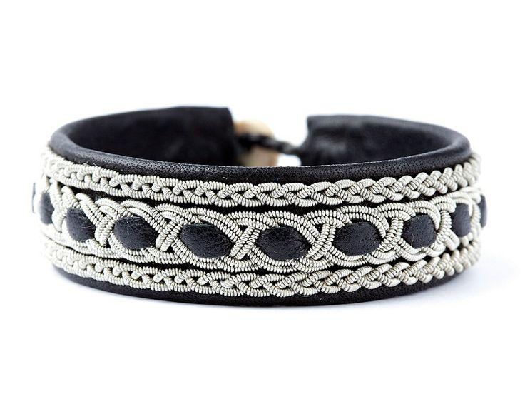 BeChristensen Tanga Samer armbånd udført i læder og tintråd <3