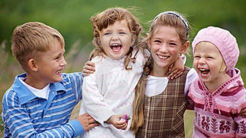 10 conseils qui vous aideront à éduquer des enfants heureux