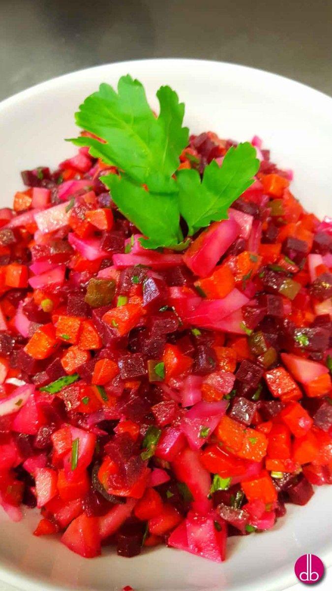 Vegan, einfach, lecker & gesund. Die Zutaten sind in Deutschland regional zu bekommen, was diesen Salat besonders schmackhaft und vitaminreich macht.