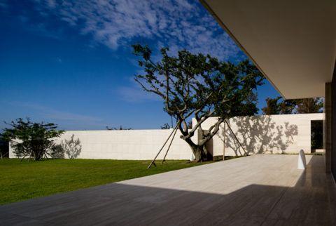 Jeju House by Alvaro Siza, Carlos Castanheira & Kim Jong Kyu