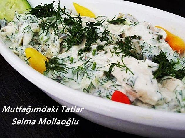YOĞURTLU TAVUK SALATASI Harika bir salata tarifidir... eminim tavuk sevmeyenler dahi çok beğenec...