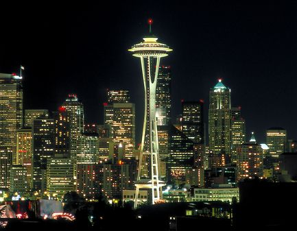 ~ Seattle at Night ~: Beautiful Cities, Places To Visit, Spaces Needle, Emeralds Cities, Pike Places Marketing, Favorite Places, Night View, Sweet Home, Seattle Washington