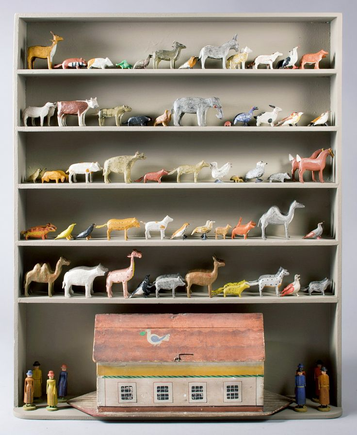 Hand-painted and carved wooden Noah's ark - Erzgebirge Germany, circa 1890
