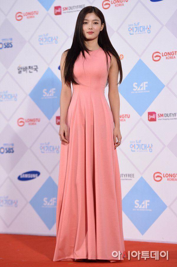украшают южнокорейские актрисы платье фото нем