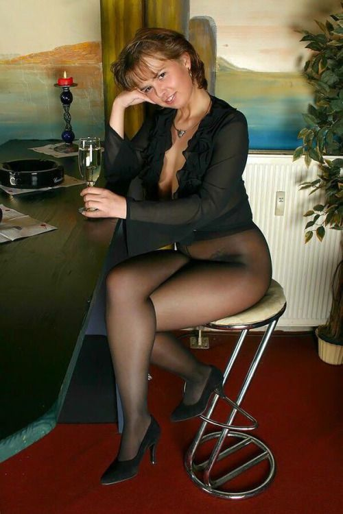 Sexy smoker black pantyhose