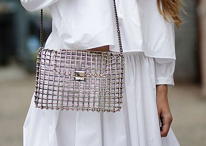 white on white + cage purse: Cages Bags, Woman Fashion, Style, Metals Bags, Clutches, Cagebag, Neen Anndra, Ancillary, Heavy Metals