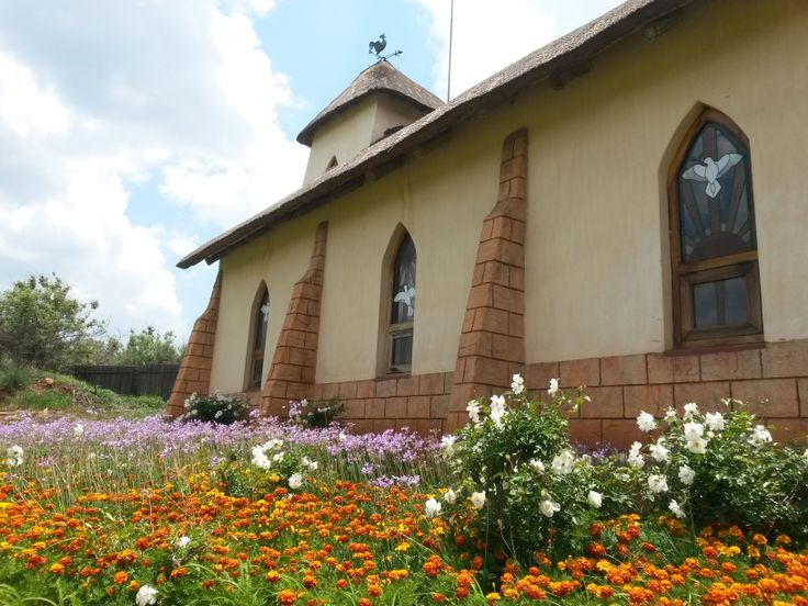 Askari Lodge Chapel. Roses, Tulbachia and Marigolds in full bloom!