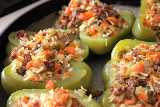 Spece të mbushur (Stuffed Peppers) This is by far one of my favorite meals. This partially because is it a whole meal in one pepperand mostly I amobsessed with peppers. I understand that this may…