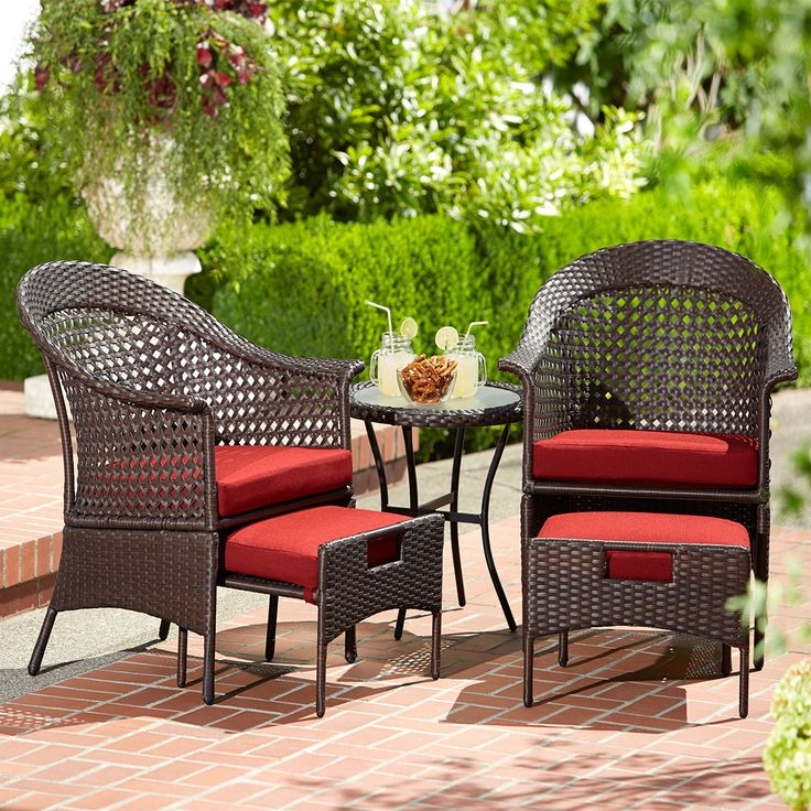 Fred Meyer Home Decor: Willakenzie 5 Piece Wicker Set