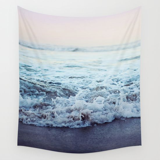 Best 25 beach themed rooms ideas on pinterest beach for Space themed tapestry