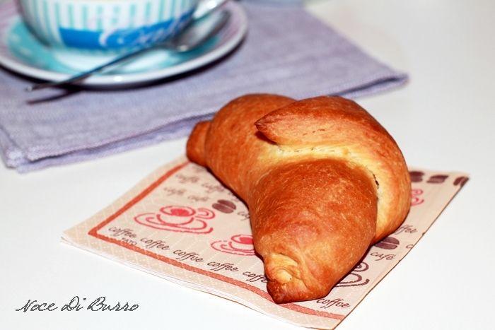 Cornetti+di+pasta+brioche,+ottimi+per+la+prima+colazione
