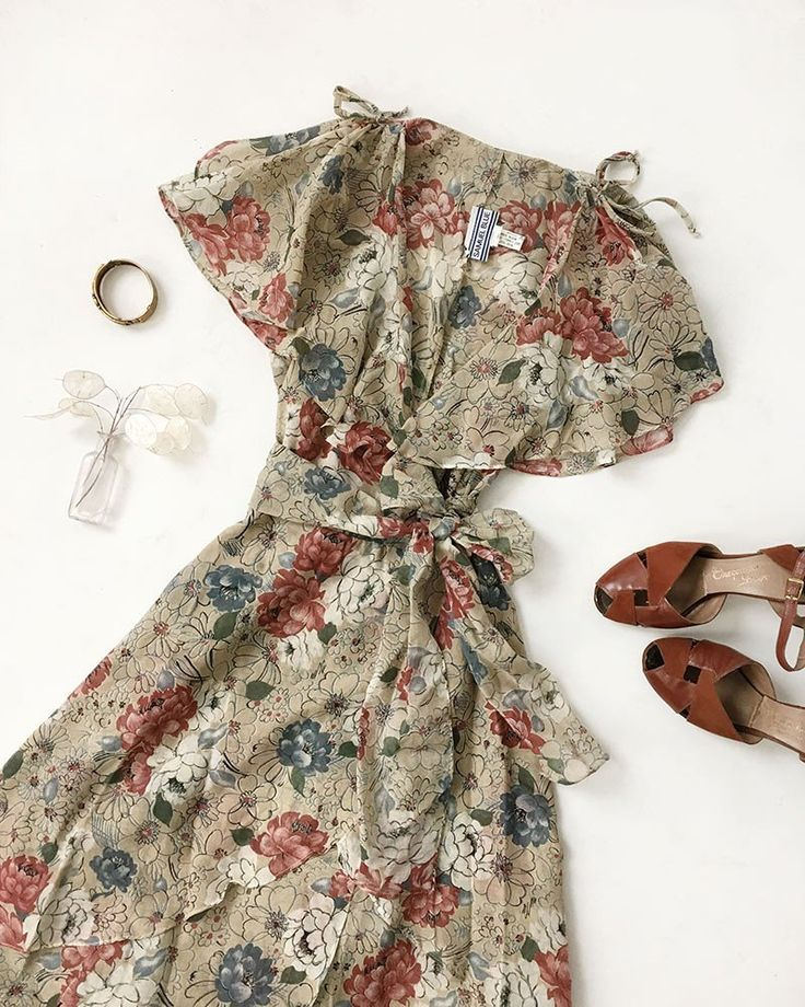 Vintage Outfit Idea: 1970s Floral Ruffle Dream