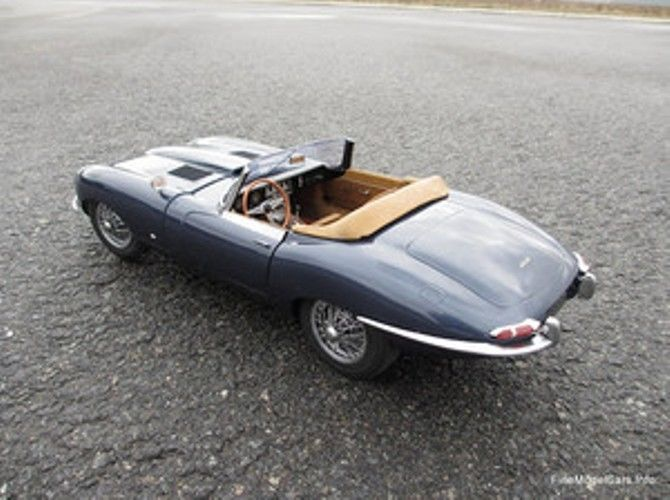 Revell Monogramm 1:8 Jaguar E Typ no Pocher