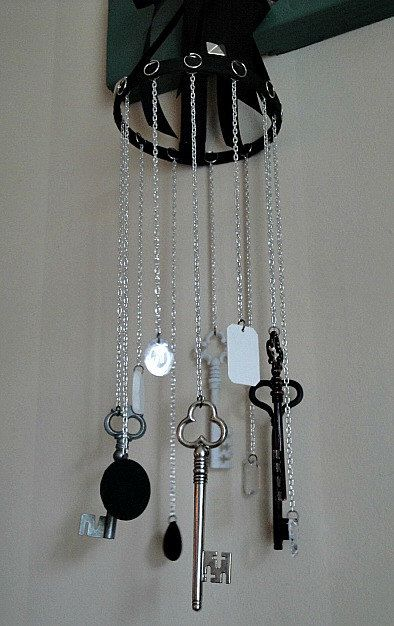key wind chime...love these...great way to repurpose keys that dont go to anything!