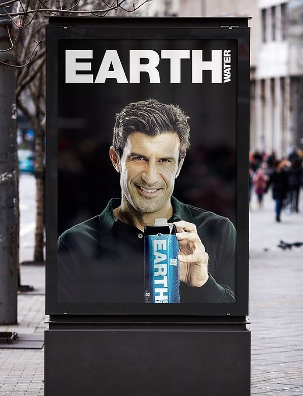 Grafisch ontwerp van Sparkling Orange voor Earth Water. Advertentie • Billboard • Art