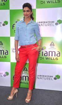 Deepika looking Stunning