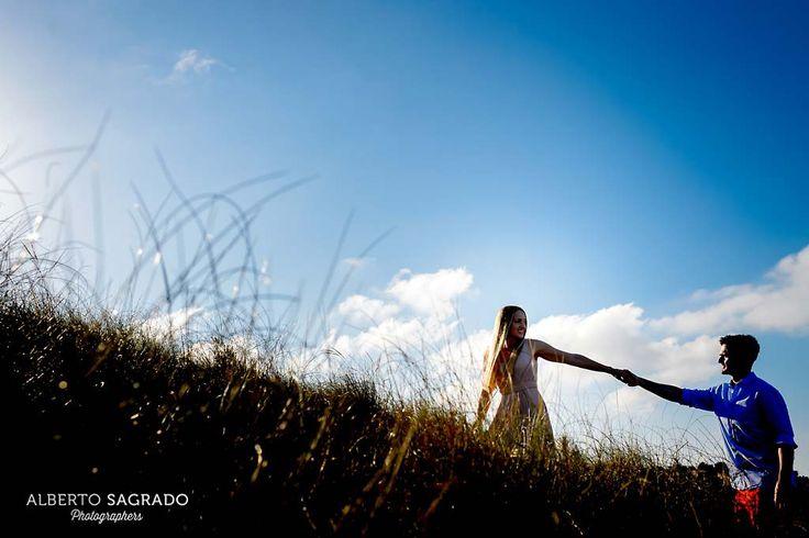 Que me pongo para una preboda. Fotos de preboda al sol de Santa Pola. Sesión de #Preboda en Alicante