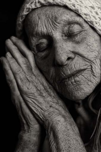 Peaceful / old age, old woman, hands, fingers, gesture, beauty, weathered, wrinckles, aged, lines of Life, cracks in time, powerful face, intense, strong, emotionel, expression, portrait, photo b/w