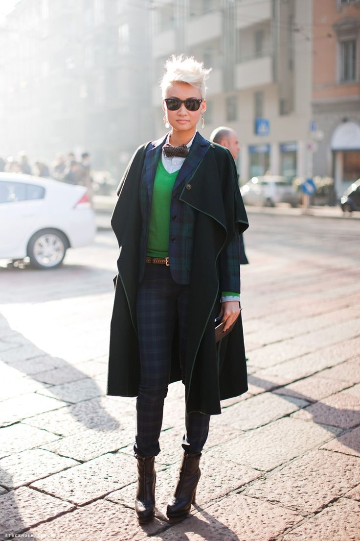 Qwear Fashion - Androgynous Genderqueer Style with Femme-y Clothes