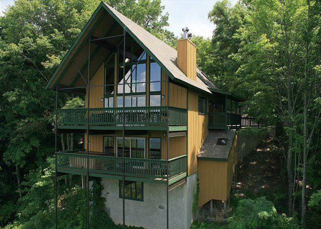 Gatlinburg Vacation Rentals - Gatlinburg Cabin / Bungalow - 819 Windrush - Exterior facing Deck side of Chalet