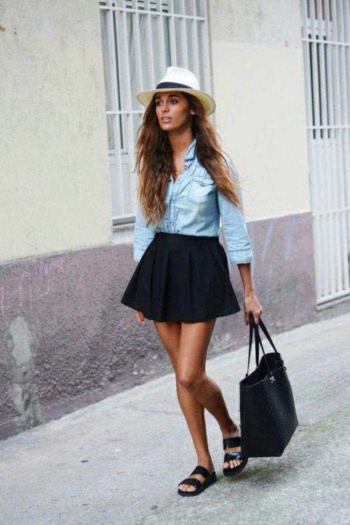 tenue avec chemise en jean et jupe courte et noir, vision de printemps