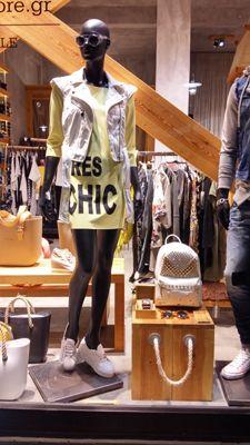 Ανοιξιάτικη πρόταση από τη βιτρίνα του must for fashion lovers http://goo.gl/CrJYtn #must_for_fashion_Lovers #muststore_gr