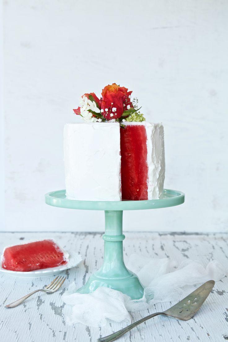 Gâteau de melon d'eau et son glaçage au yogourt grec