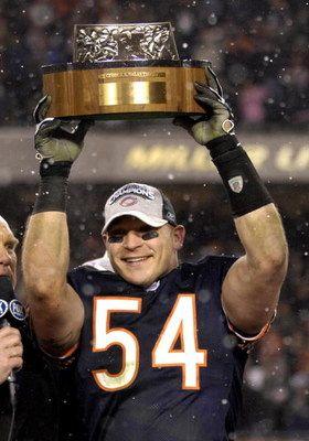 #Chicago #Bears' @BrianUrlacher  Fav player on my fav team in the NFL