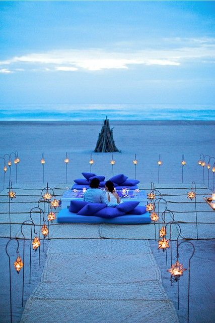 Romantic picnic on the beach: Beaches, Favorite Places, Wedding Ideas, Blue, Dream, Sunset, Romantic, Beach Weddings, Romance