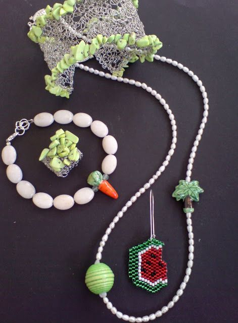 Wire crochet with fruits