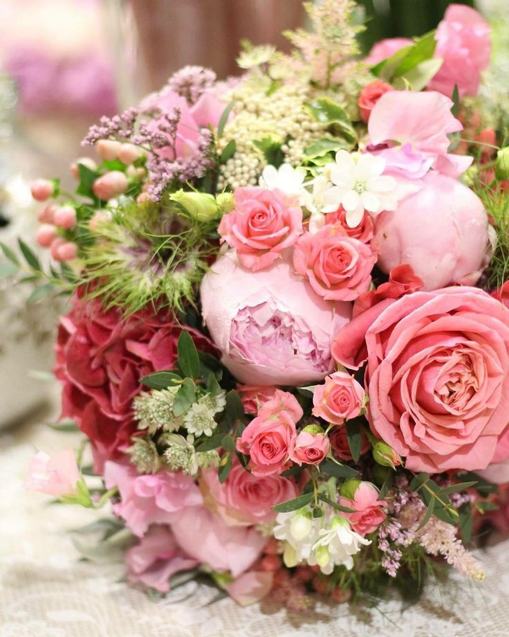 Nezabudnite dnes na maminy!  #kvetysilvia #kvetinarstvo #kvety #svadba #love #instagood #cute #follow #photooftheday #beautiful #tagsforlikes #happy #like4like #nature #style #nofilter #pretty #flowers #design #awesome #wedding #home #handmade #flower #summer #bride #weddingday #floral #naturelovers #picoftheday