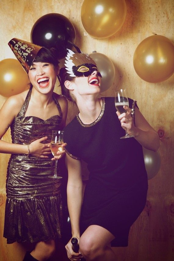 Cute idea for photo backdrop at a New Years Eve, Mascarade or Girls Night Out Party