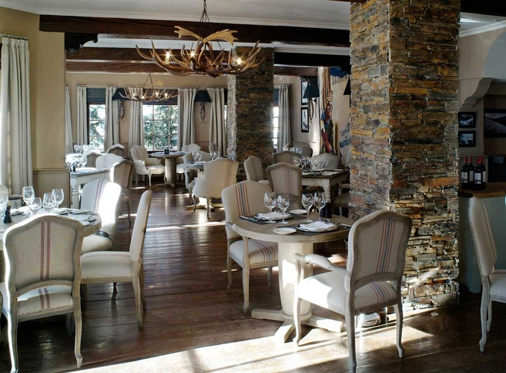 The dining room at El Lodge