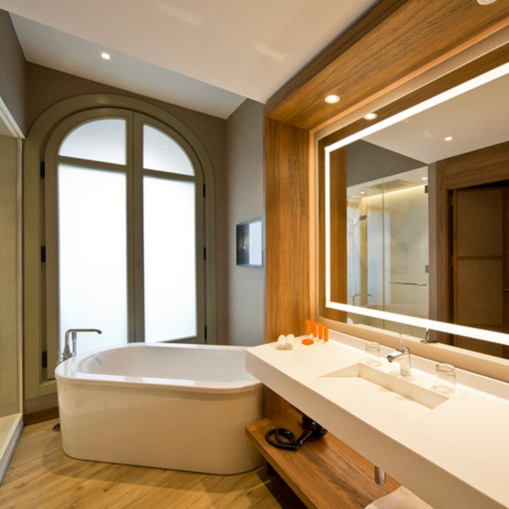 The Hotel Círculo Gran Vía and the history of #Madrid can be discovered through the main rooms of this mansion. Its refurbishment made use of the #Brancato collection by #Keraben, in biege 100 x 50mm, to dress the bathroom walls throughout: http://bit.ly/GranVía-Project   💙 @AC_Hoteles