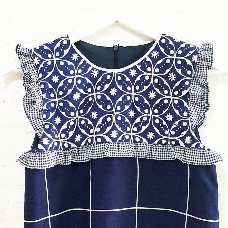 Zoom in  www.nonandnik.com  #batik #batikindonesia #fashionindonesia #batikdress #batikmodern #batikshop #fashionbatik #batikfashion #ootdbatik #onlineshop #localbrand #readytowear #batiknonik #nonandnik