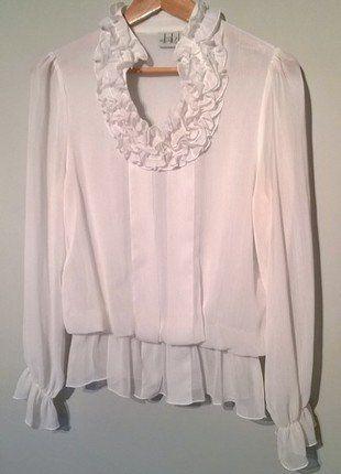 Kup mój przedmiot na #vintedpl http://www.vinted.pl/damska-odziez/bluzki-z-dlugimi-rekawami/16570085-biala-elegancka-bluzeczka-mgielka-z-falbankami-38-40