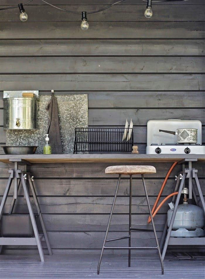 Outdoor-Kitchen. time of the aquarius: summer house