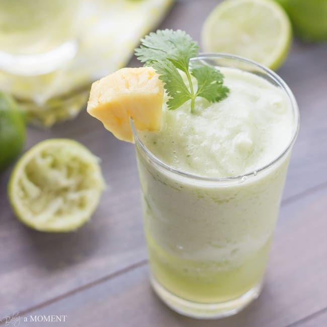 pineapple cilantro mojito | bakingamoment.com