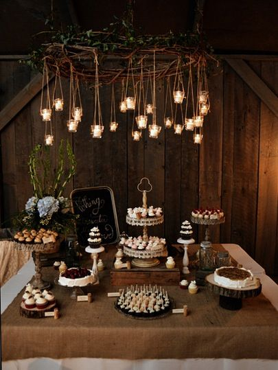 Rustic Dessert Bar #CupcakeDreamWedding
