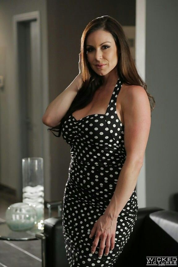Download free Wicked hot milf kendra lust fucks the